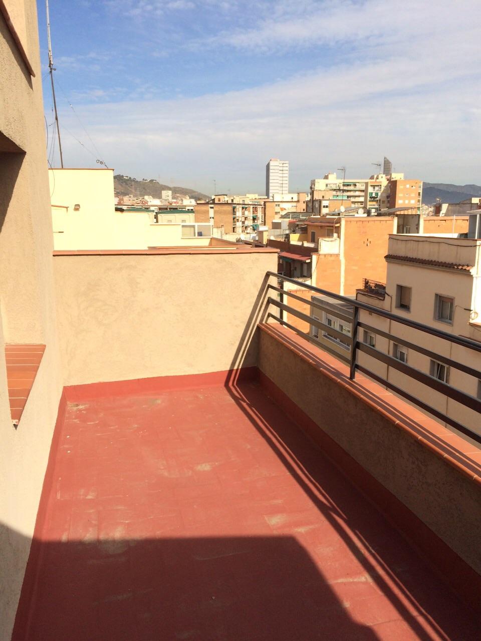 Pisos y casas en venta o alquiler en barcelona for Piso de alquiler en barcelona