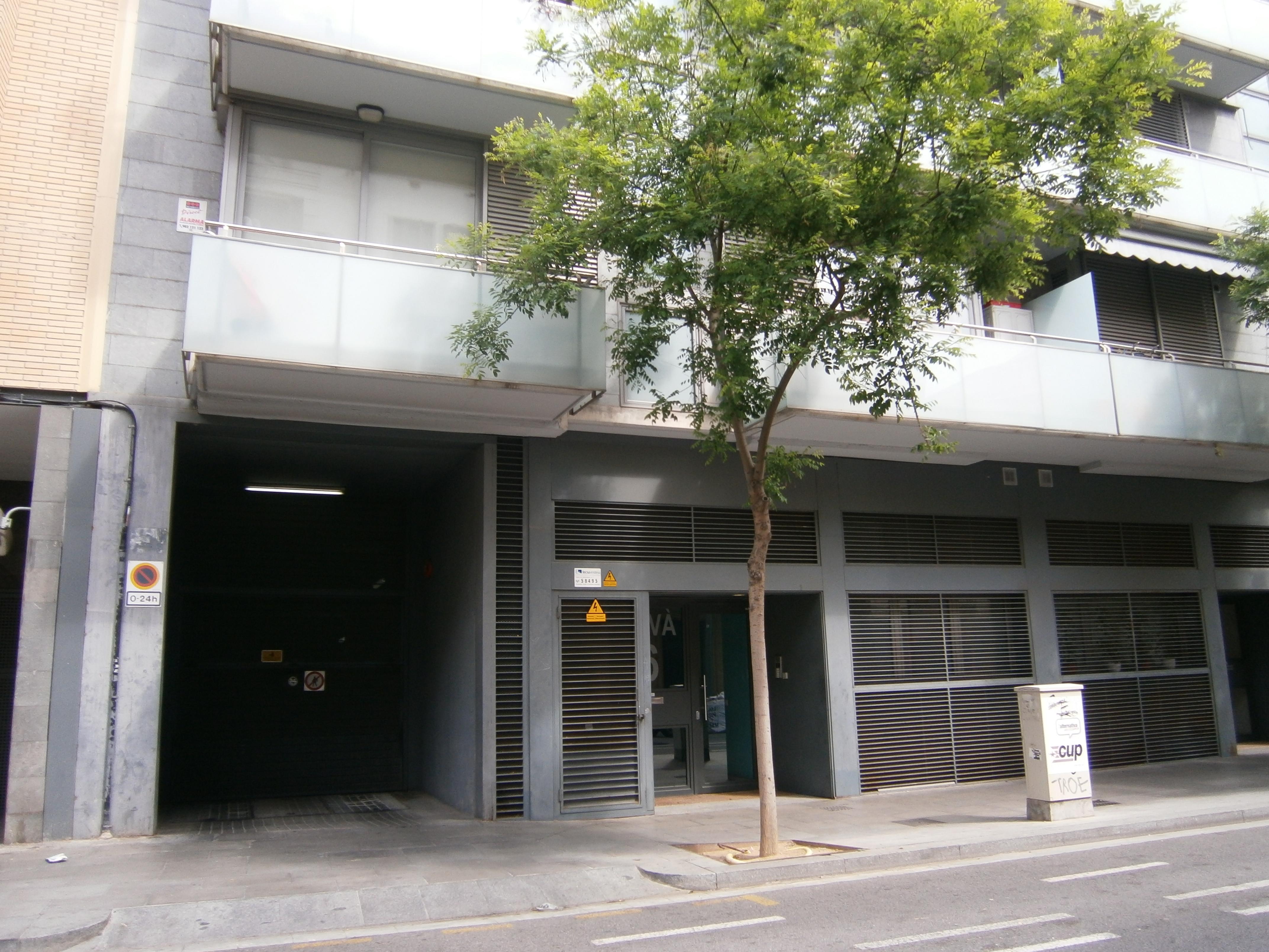Plaza garaje coche en venta o alquiler for Alquiler garaje