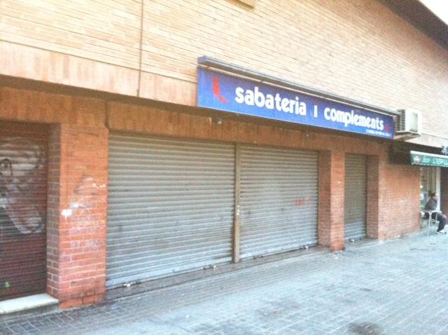 Local comercial en alquiler en rbla prim 145 - Administradors de finques barcelona ...